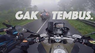 Video TOURING Naik BMW GS di BALI - Lampu LED Gak TEMBUS... MP3, 3GP, MP4, WEBM, AVI, FLV April 2019