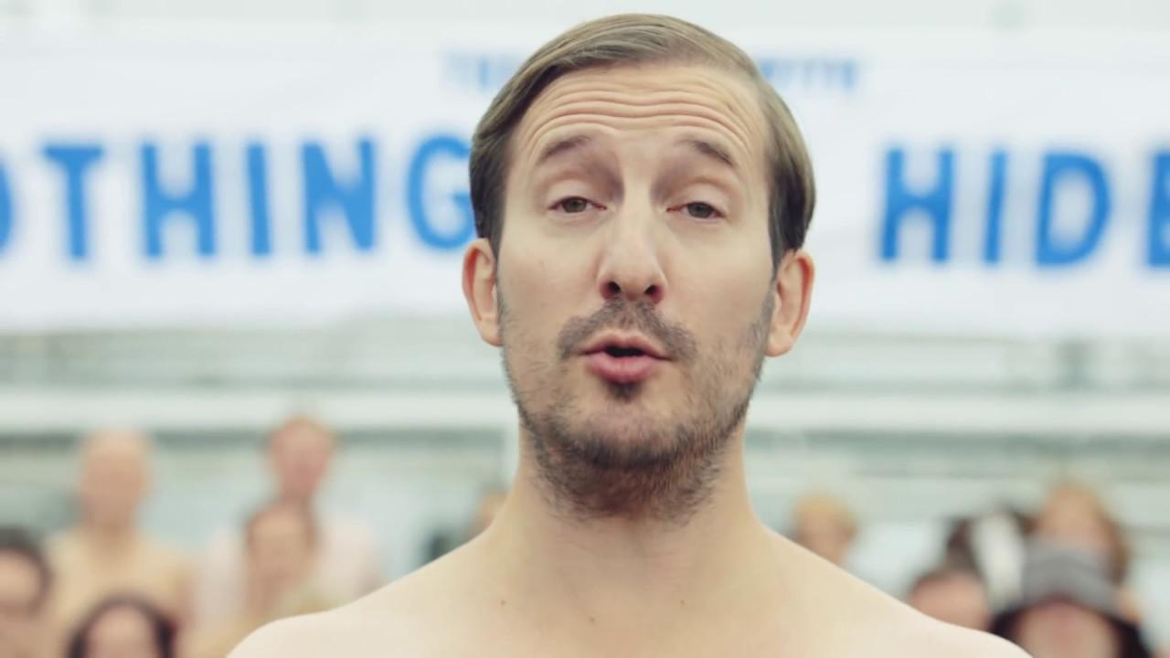 Водка Absolut раздела своих сотрудников для рекламы