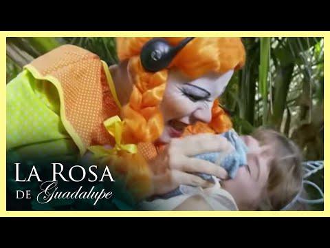 Video La Rosa de Guadalupe: Brenda es secuestrada por unos payasos   La balada de las flores download in MP3, 3GP, MP4, WEBM, AVI, FLV January 2017