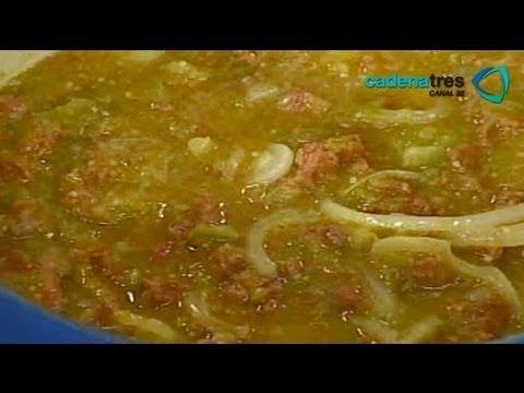 Receta de longaniza en salsa verde con papas. Receta de comida fáciles y rápidas