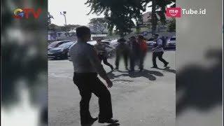 Video Video Amatir Sesaat Ledakan Bom di Mapolrestabes Surabaya - BIS 14/05 MP3, 3GP, MP4, WEBM, AVI, FLV Oktober 2018