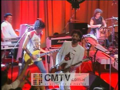 Fito Páez video Ciudad de pobres corazones - CM Vivo 2003