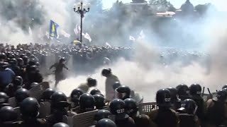 Grenade explodes at Ukraine parliament riot