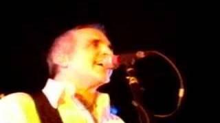 Glen Burtnik performs Follow You live at the Stone Pony 3/08.