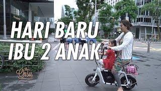 Video The Onsu Family - HARI BARU DARI IBU 2 ANAK MP3, 3GP, MP4, WEBM, AVI, FLV Juni 2019