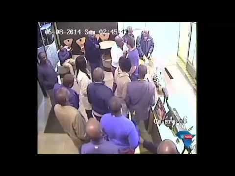 Malema video het internetgebruikers aan die gons / Malema video causing a buzz on the internet