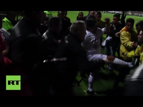 مارادونا يعود إلى الملاعب بركلة وجهها لرجل أمن