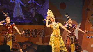 Thai Dance - Traditional dance of Thai culture