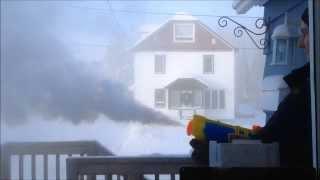 Nước sôi, súng nước và trời có tuyết :3