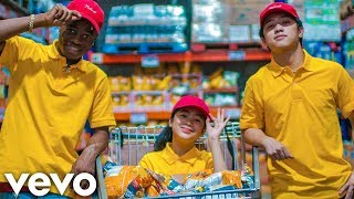 Ranz and Niana ft. Lavaado - DIP (Official Music Video)