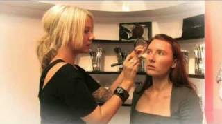 Dramatic evening makeup tips with Amber D at MAC Chancery