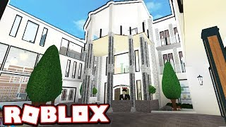 THE $2.5 MILLION DOLLAR MEGA MANSION!!! (Roblox Bloxburg)