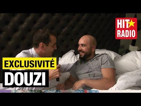 Momo surprend et réveille Douzi dans le Morning de Momo au Marrakech du Rire 2015 sur HIT RADIO
