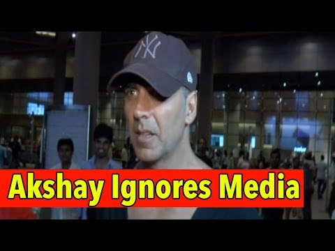 Akshay Kumar Ignores Media At Mumbai Airport