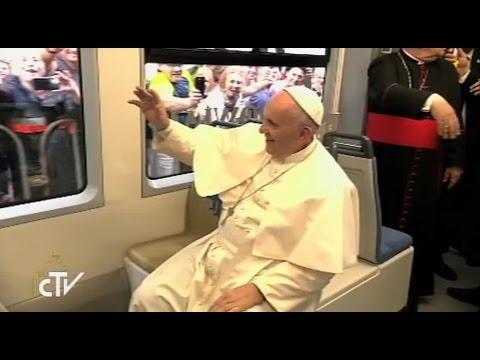 Papa tramvajem došao na susret s mladima u Krakovu
