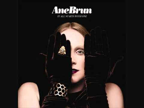 Tekst piosenki Ane Brun - Du Gråter Så Store Tåra po polsku
