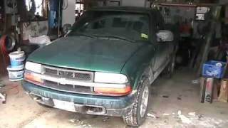 Video Replacing a U-joint in a 1999 Chevy S-10 4x4 MP3, 3GP, MP4, WEBM, AVI, FLV Juni 2018
