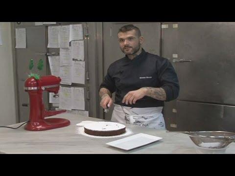 Λαχταριστή βασιλόπιτα γεμάτη άρωμα σοκολάτας και κάστανου από τον Δ. Αλέρτα