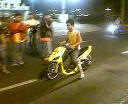 macapagal drag race MotoZone