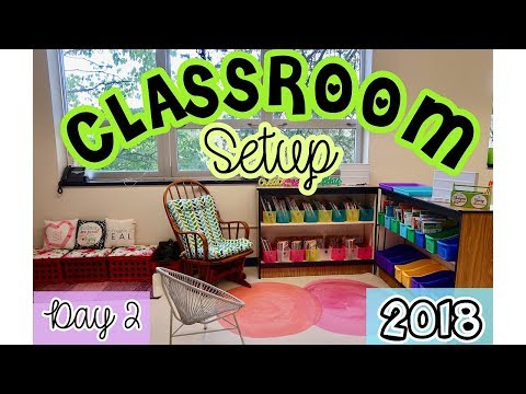 Elementary Classroom Setup Day 2 | Back to School Teacher Vlog | Decluttering