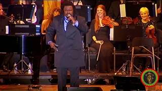 Video Luciano performing with the Royal Philharmonic Orchestra - Full Concert MP3, 3GP, MP4, WEBM, AVI, FLV Desember 2018