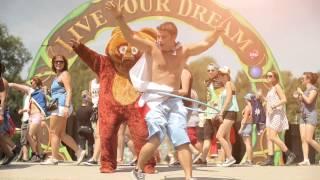 Tomorrowland 2014 | Hugged by...