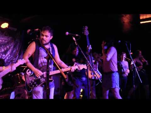 The Bottles (Christian from The Hotelier Supergroup) FULL SET] @ The Fest 14 2015-11-1 (видео)