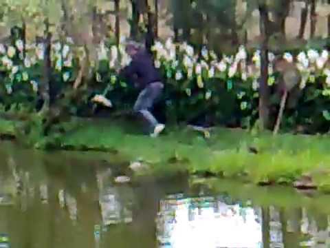 Bow Fishing – nice shot –  Traíra com arco e flecha.