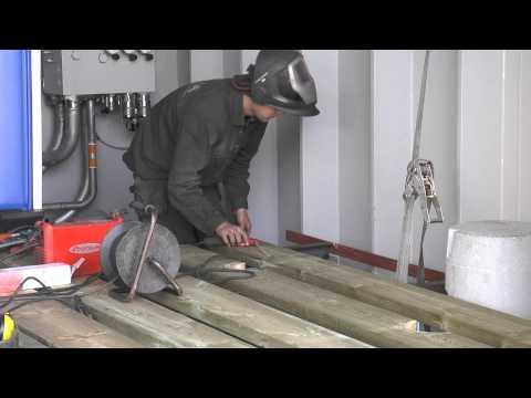 Visa film KBV001 avfärd till Medelhavet - om förberedelserna med lastning