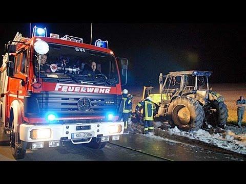 Korbach: Traktorbrand mit Schaum gelöscht