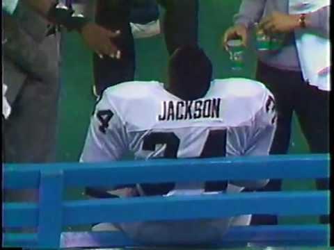 BO JACKSON 91 YARD RUN VS. SEAHAWKS – NOVEMBER 30, 1987
