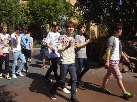 Exo At Disneyland - Lay, Chen, Kris And Sehun