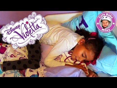 Miley stellt ihre neue Violetta Bettwäsche vor - Kinderkanal