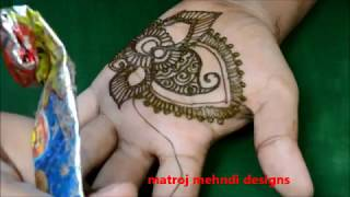 hello all,here is a video on easy latest mehndi designs simple.follow on: https://www.instagram.com/divya080/subscribe for more videos:https://www.youtube.com/channel/UCECgulN13NACgO49LRXeQpAfacebook : https://www.facebook.com/Matroj-Mehndi-Designs-284372255239829/