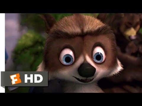 Over the Hedge - Raccoon Rescue | Fandango Family