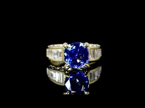 經GIA鑑定5.13克拉未經加熱處理藍寶石鑲鑽石戒指