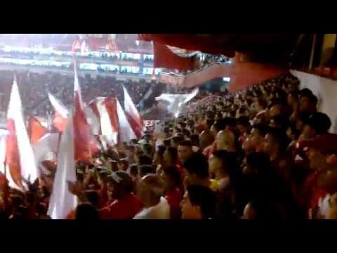 """""""Independiente vos sos mi pasion vos sos mi locura"""" - La Barra del Rojo - Independiente"""