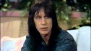 Video 1988 - Todd Rundgren Visits 'Hour Magazine' MP3, 3GP, MP4, WEBM, AVI, FLV Agustus 2018