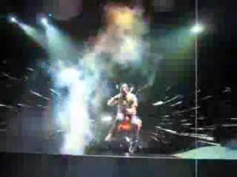 Flashing Lights Demo with Kanye on Stage