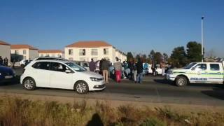 Video Confrontations With Drivers as Roads Blocked During Taxi Strikes June 15 MP3, 3GP, MP4, WEBM, AVI, FLV Oktober 2017