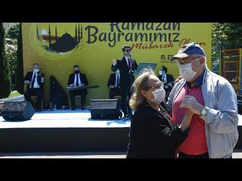Κωνσταντινούπολη: Η τρίτη ηλικία γιορτάζει το Ιντ αλ φιτρ …