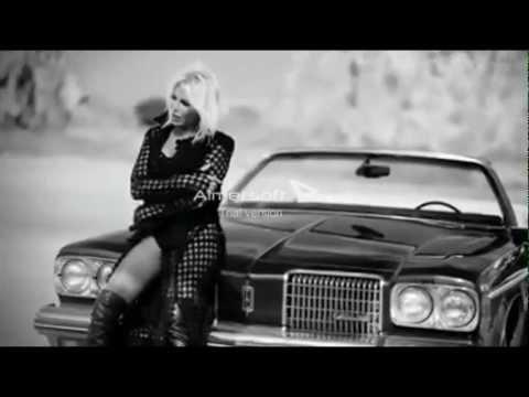 """Ajda Pekkan - """"Yakar Geçerim"""" ft. Tarkan"""