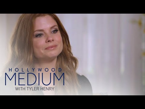 JoAnna Garcia Swisher Breaks Down During Reading | Hollywood Medium with Tyler Henry | E!
