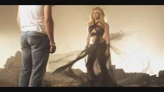 Video Miguel Bose & Shakira - Si Tu No Vuelves MP3, 3GP, MP4, WEBM, AVI, FLV Juli 2018
