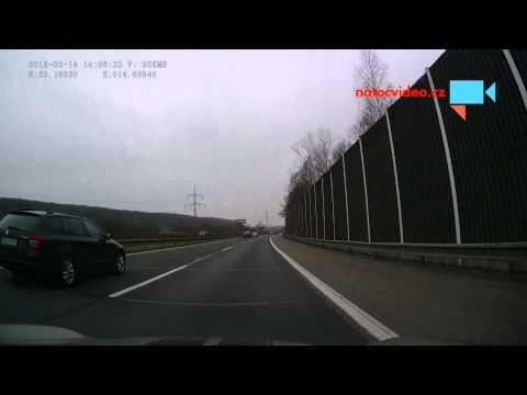 Předjíždění zprava na D11
