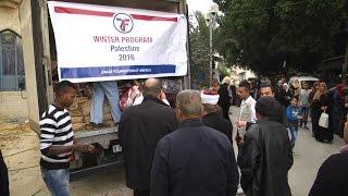 """توزيع مساعدات ضمن حملة """"السلام عليك ايها النبي"""" بطولكرم"""