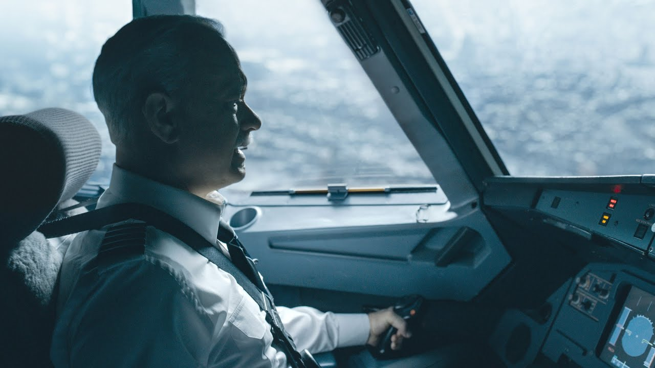 Tom Hanks is 'Sully' in Clint Eastwood's Biopic of Heroic Pilot Captain Chesley Sullenberger [Untold Story Featurette]