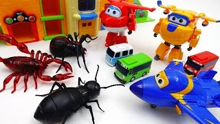 Video Go Go Super Wings, Tayo School is Under Attack by Monster Bugs MP3, 3GP, MP4, WEBM, AVI, FLV Oktober 2018