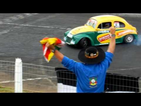 Moacir Fighera comemora o título da Copa Fusca 2012 em Tarumã!