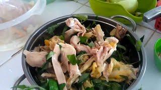 Trong loạt video món ăn dân dã để phản ánh thực tế